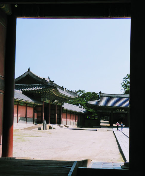 Peering into a courtyard.